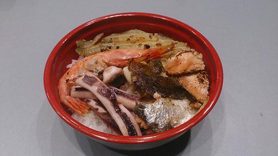 中央卸売いちば 重左ェ門商店 元祖福井中央卸売いちばのミニ丼