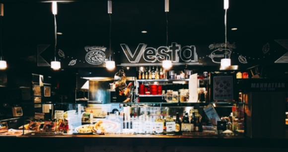 マクドナルド福井駅前店跡に何ができた?本格ピザとストーブ料理の店「Vesta」がOPEN!