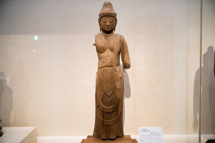 聖観音立像(しょうかんのんりつぞう) 越前市領家町 八幡神社