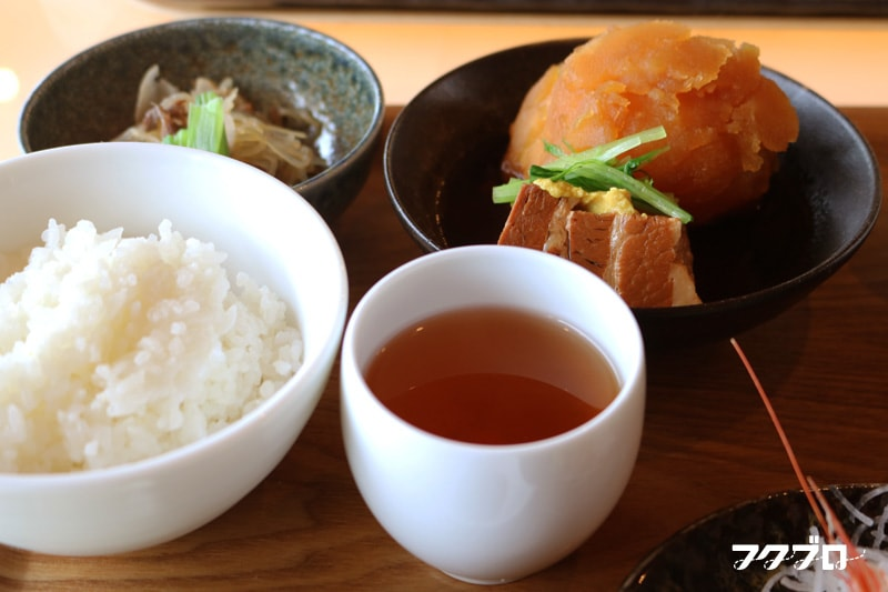 海のレストラン「おおとく」 : 肉じゃがランチ(2)