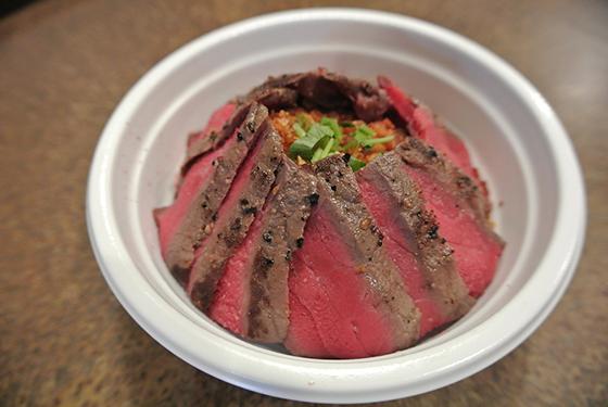 国産牛ステーキ丼専門店 佰食屋 国産牛ステーキ丼