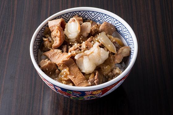 京都梅しん 牛ホルモン丼