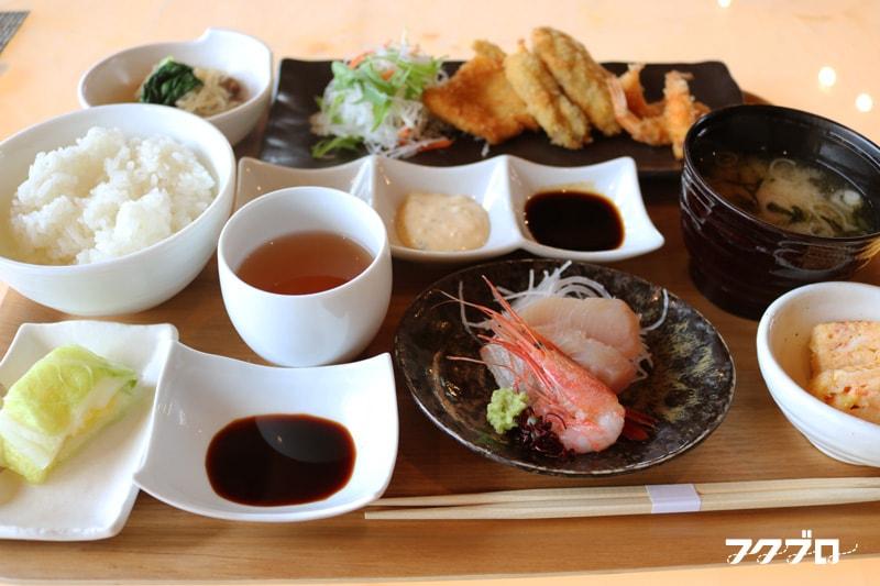 海のレストラン「おおとく」 : 日替わりランチ(1)